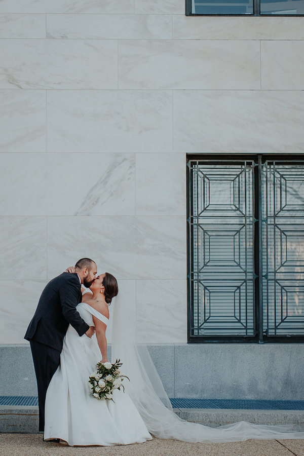 gorgeous couple portraits for their Capitol hill wedding